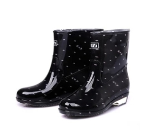 Warrior versatile wear and crystal non-Slip shoe cover rain boots (Black 523)