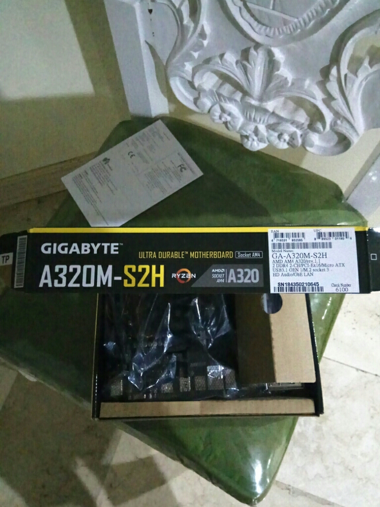 Gigabyte GA-A320M-S2H Micro ATX Mother Board