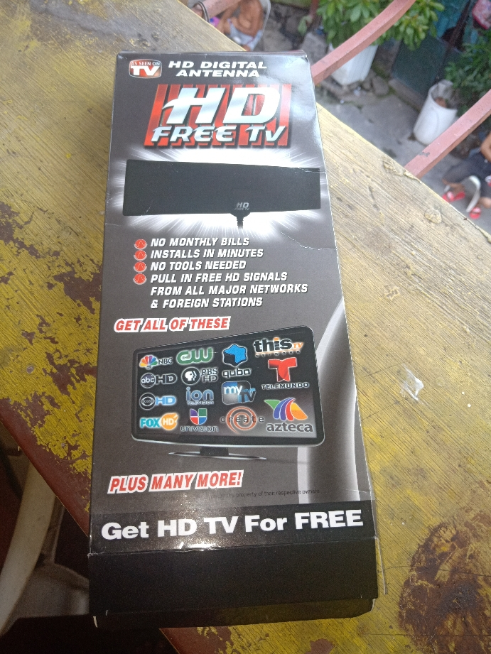 HD Free TV Antenna (Black)