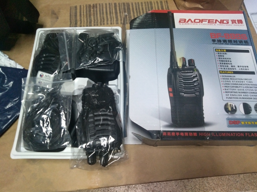 Baofeng BF 888S APPROVED Walkie Talkie Two Way Radio UHF Transceiver Set of  2 With Free Headset 2 in 1