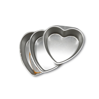 Harga Sanneng Set of 3 x Heart Cake Pan (6inches, 8inches, 10inches)