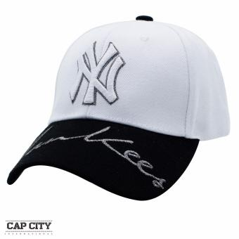Cap City Hip Hop NY New York Yankees Glitter Text Snapback (White/Black)