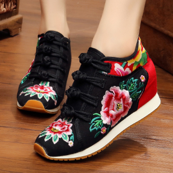 Chinese-style Women's Embroidered Wedges Beef Tendon Cloth Shoes (Black)