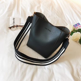 European and American female autumn New style bucket bag (Black)