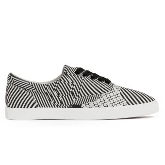 Harga Bucketfeet Kinetics Women Lace Up Sneakers (Black Grey)