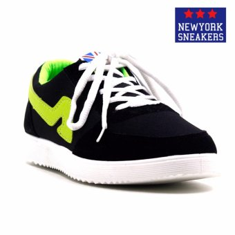 Harga New York Sneakers Hunter Rubber Shoes(BLACK/GREEN)