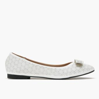 Harga Parisian Plus Ladies Nara Ballet Flats (White)