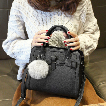Small Square Shishang bag shoulder bag (Black with real rabbit fur ball)