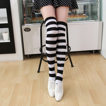 Versatile blue and white female striped knee socks striped socks (Black and white thick striped 55 cm)
