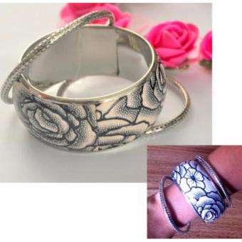 3 in 1 triple threat bracelet Stainless Steel Floral Bangle 65grams