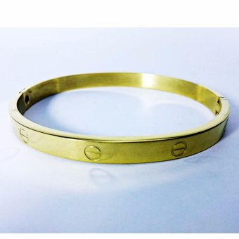 Clic Design Stainless Steel Gold Bangle With Free Round Earrings Small