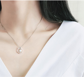 Freshwater pearl small Apple choker pendant necklace