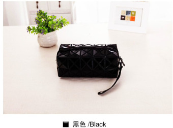 Lingge small large capacity portable geometric storage bag makeup bag