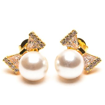 piedras jewelry pearl and diamond like stud earrings 18k micron plated (gold)